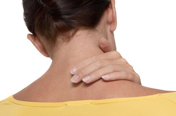 Что такое шейный лордоз: причины возникновения, основные симптомы, лечение