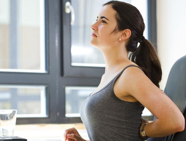 Виды грудного кифоза, основные симптомы, методы лечения