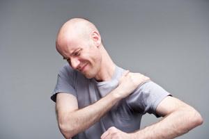 Причины артрита плеча